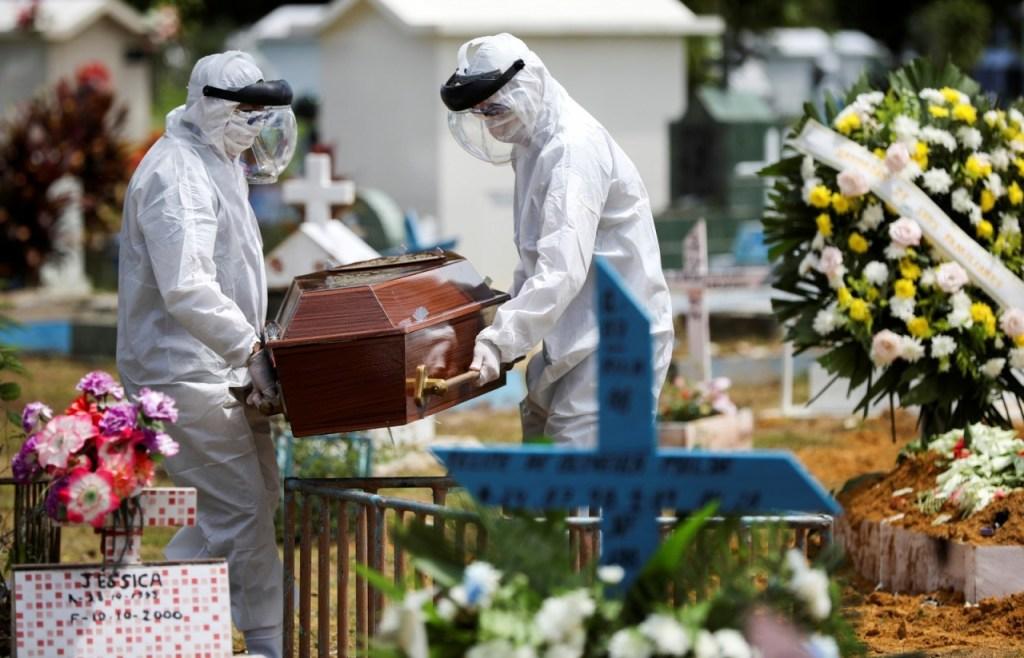 2020 04 10t182046z 62614784 rc2u1g96frbe rtrmadp 3 health coronavirus brazil amazon 1024x658 - Mortos passam de 250 mil no mundo; EUA têm 69 mil vítimas