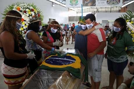 2020 05 15T011700Z 1 LYNXMPEG4E03W RTROPTP 4 HEALTH CORONAVIRUS BRAZIL INDIGENOUS - Cacique da maior comunidade indígena do Brasil morre vítima de coronavírus