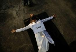 'O HOMEM MAU NÃO TEM LIMITES': Esperaremos passivamente Bolsonaro matar a todos? – Por Eliane Brum
