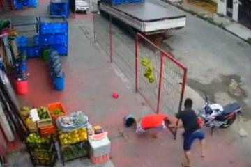 4860699434645cd9524c2586eec228ac - Câmera registra momento em que homem é executado a tiros em Manaus