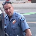 53623531 303 - VIOLÊNCIA NOS EUA: Policial preso pela morte de Floyd é indiciado por homicídio culposo