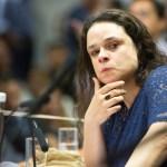 A deputada Janaina Paschoal criticou Jair Bolsonaro e disparou contra o próprio partido neste sábado - Janaina Paschoal critica aliados de Bolsonaro: 'apoiadores belicosos precisam recuar'