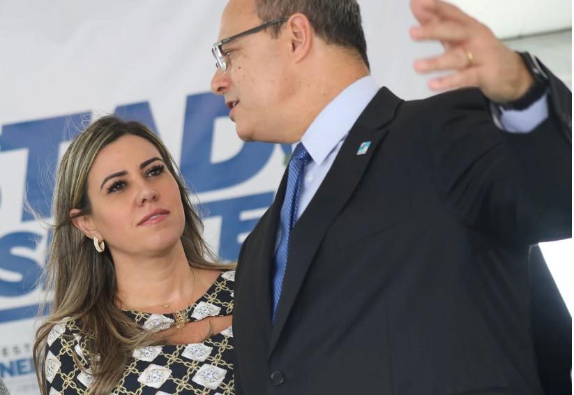 Capturarç 1 - Primeira-dama do Rio, Helena Witzel é hospitalizada