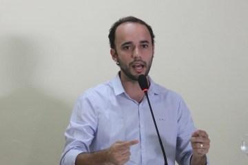 Douglas Lucena - BANANEIRAS: Prefeito Douglas Lucena contesta denuncia de Mateus Bezerra por obra Poliesportiva no Sítio Cajazeiras