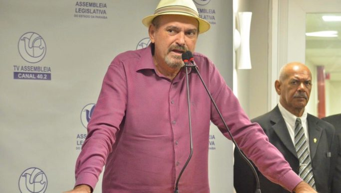 PL é de autoria do deputado Jeová Campos - Projeto que tramita na ALPB propõe atendimento prioritário em estabelecimentos públicos e privados para pessoas ostomizadas