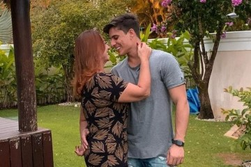 "TIAGO RAMOS NEYMAE - Namorado da ""Neymãe"", Tiago Ramos vira alvo da Record para ""A Fazenda"""