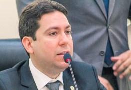 Felipe Leitão tem lei de sua autoria sancionada por João Azevêdo que garante a distribuição de 260 mil cestas básicas a estudantes da rede estadual de ensino