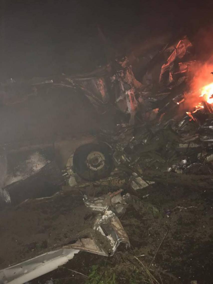 aviao sao benedito foto leitor whatsapp 2 12609723 - Avião com paciente do coronavírus cai e deixa quatro mortos - VEJA VÍDEO