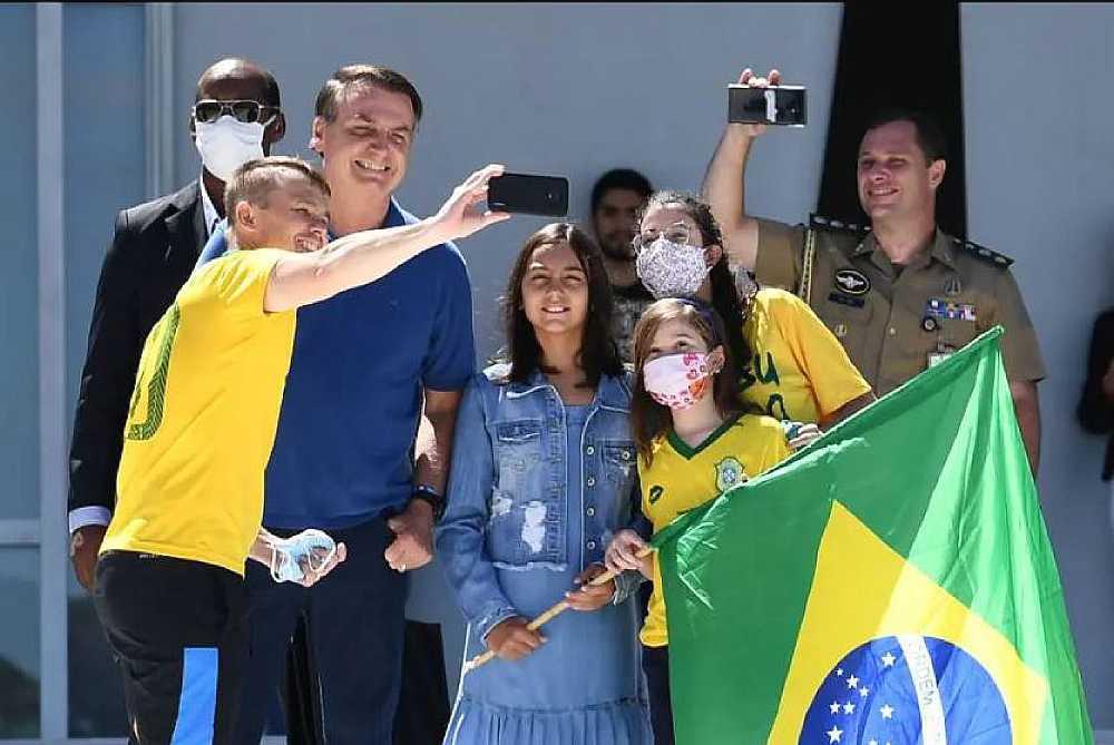 bolsonaro 12 - Militares dizem que Bolsonaro tentou usar prestígio das Forças Armadas
