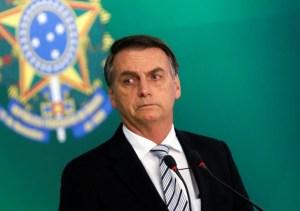 bolsonaro 300x211 - Bolsonaro diz que Enem pode atrasar, mas tem que ser feito em 2020