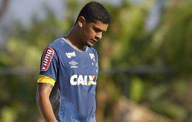 denilson cruzeiro2005 - Cruzeiro iniciará Série B do Brasileirão com 6 pontos a menos