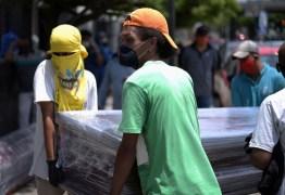 33% dos 2,7 milhões de moradores de Guayaquil foram contaminados