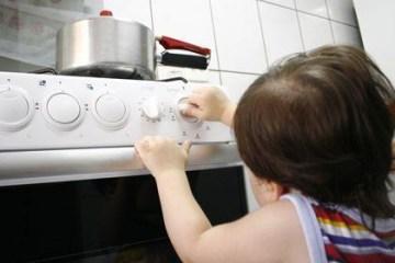 estudantes recebem orientacoes sobre acidentes domesticos - Junho Laranja alerta para acidentes domésticos: confira as dicas da Sociedade Brasileira de Queimaduras
