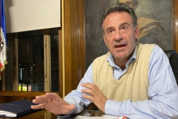 ministro saude uruguai daniel salinas - CASO DE SUCESSO: Uruguai enfrenta COVID-19 sem quarentena obrigatória e uso de máscaras