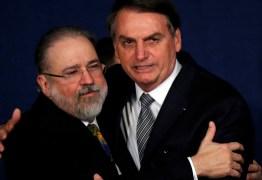 Bolsonaro prevê evangélico no STF e cota Aras para eventual 3ª vaga