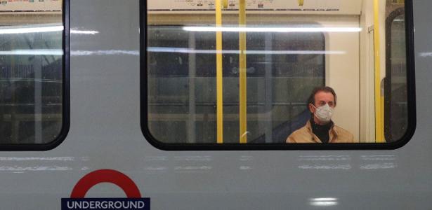 passageiro usa mascara de protecao no metro de londres 1589285153241 v2 615x300 - Covid-19: mulher morre depois de levar cusparada em estação de trem
