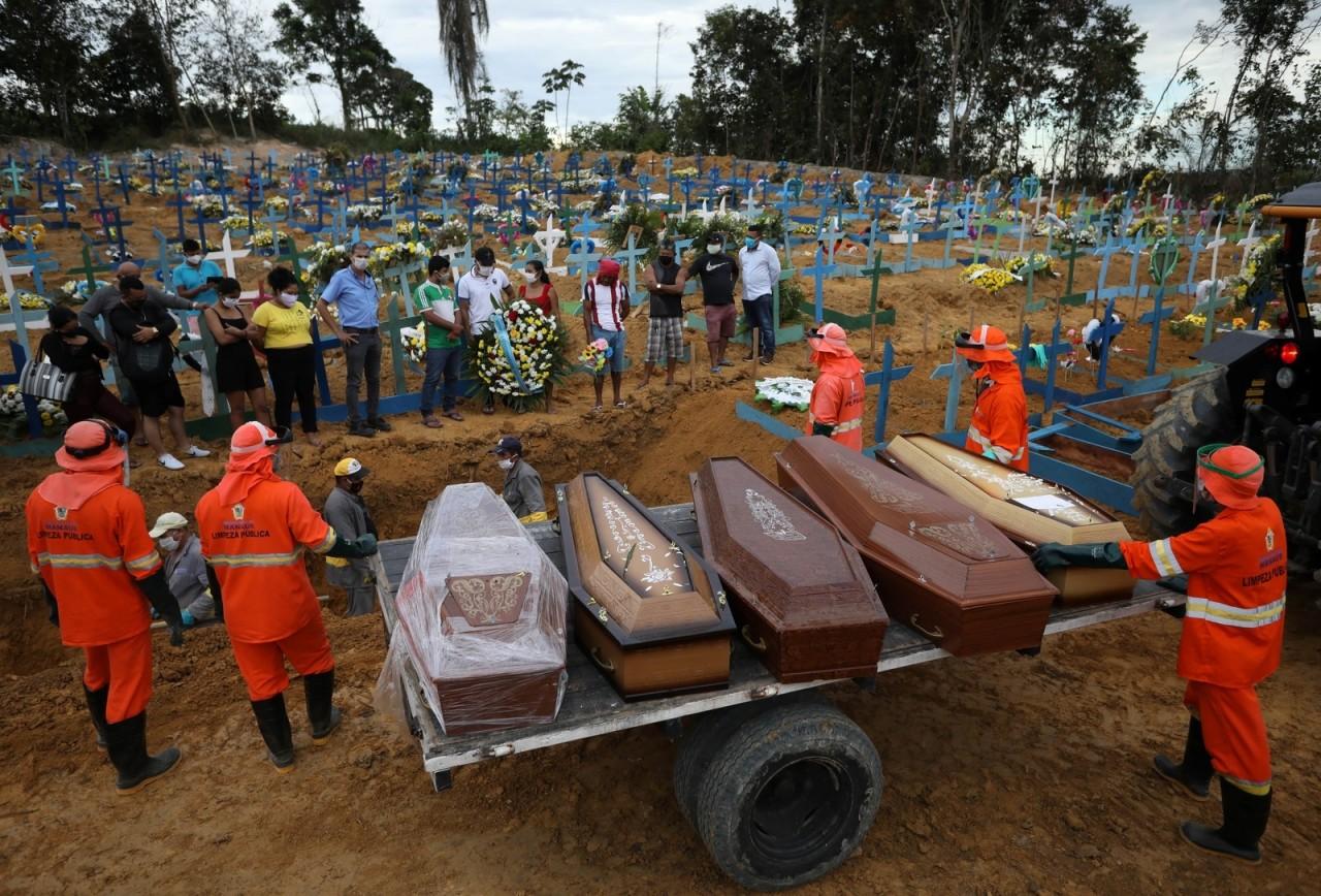 1440097 444050 - CORONAVÍRUS: Brasil ultrapassa Reino Unido e é segundo país com mais mortes