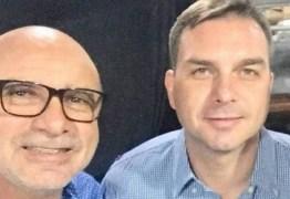"""""""A VERDADE PREVALECERÁ"""": Flávio Bolsonaro diz ser alvo de grupo político, após prisão de Queiroz"""