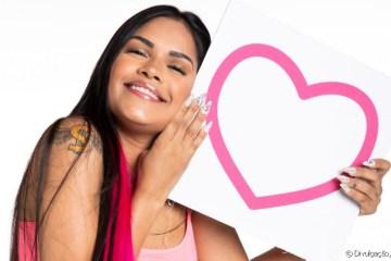 Flayslane engata romance on-line com modelo: 'A gente não se viu' – VEJA VIDEO