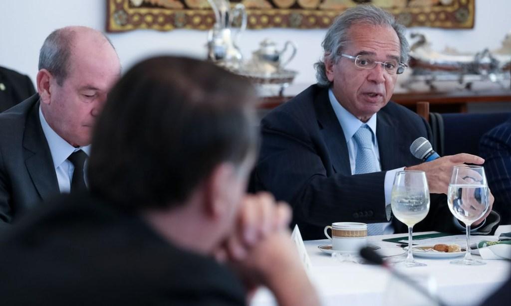49987564298 cb052572e2 o 1024x613 - Governo vai criar programa de renda mínima após a pandemia, diz Guedes