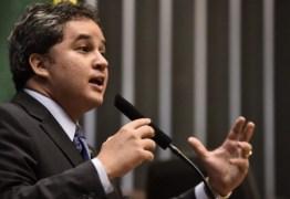 Efraim Filho reforça meta de transformar crédito em dinheiro para salvar empregos