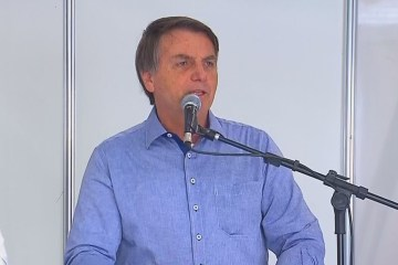 6291 0AA6CC8CA2C624CB - Bolsonaro promete acabar com impostos para importação de armas de uso individual