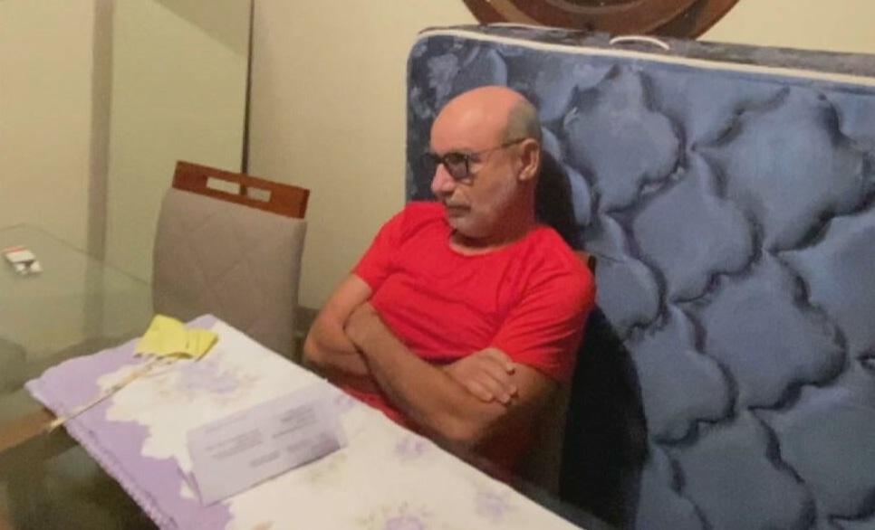 7293 48D733C69004F7FF 1 - Fabrício Queiroz, ex-assessor de Flávio Bolsonaro, é preso em Atibaia, SP - VEJA VÍDEO