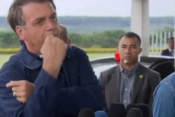 Jornalistas e parlamentares fazem ato contra ataques de Bolsonaro à imprensa – ACOMPANHE AO VIVO