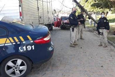 Capturar 91 - Perseguição da PRF termina com suspeito de assalto acidentado em JP