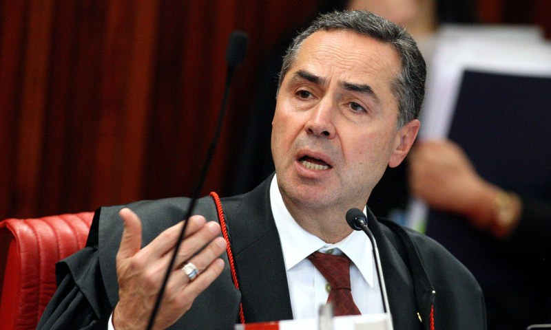 Luis Roberto Barroso by Carlos Humberto tse - ELEIÇÕES NO BRASIL: abstenção no segundo turno é de mais de 11 milhões de eleitores