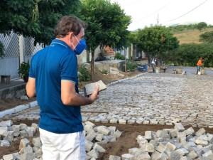 WhatsApp Image 2020 06 16 at 18.27.58 300x225 - Chico Mendes fiscaliza obras em andamento e destaca importância dos investimentos para população