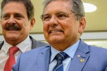 """Pacientes receberão """"Remédio em Casa"""" através de proposição dos deputados Tião Gomes e Adriano Galdino"""