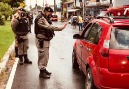 OPERAÇÃO ALVORADA: Polícia militar previne crimes e fiscaliza isolamento social mais rígido, na Paraíba