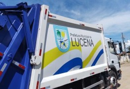 Após 7 anos coletando lixo em veículo aberto, prefeito de Lucena aluga caminhão sem licitação e no valor de R$ 24 mil