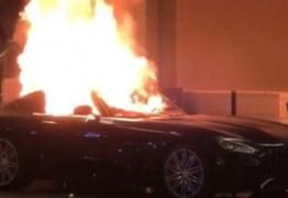 Protestantes por morte de George Floyd nos Estados Unidos detonam carrões de luxo