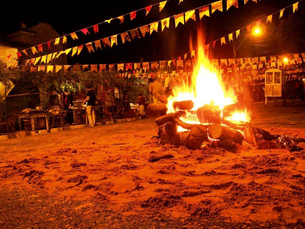 fogueira 1024x768 1 - Coronavírus: prefeito de Campina Grande anuncia que vai proibir fogueiras juninas em novo decreto