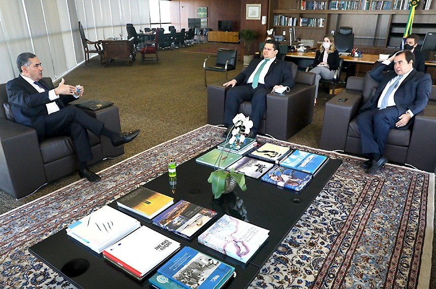 líderes TSE - Líderes da Câmara se reunirão com especialistas para definirem o adiamento das eleições