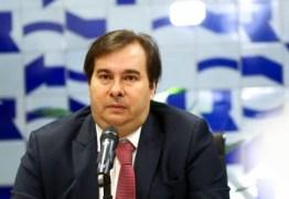 Rodrigo Maia afirma que não é momento para pensar em impeachment