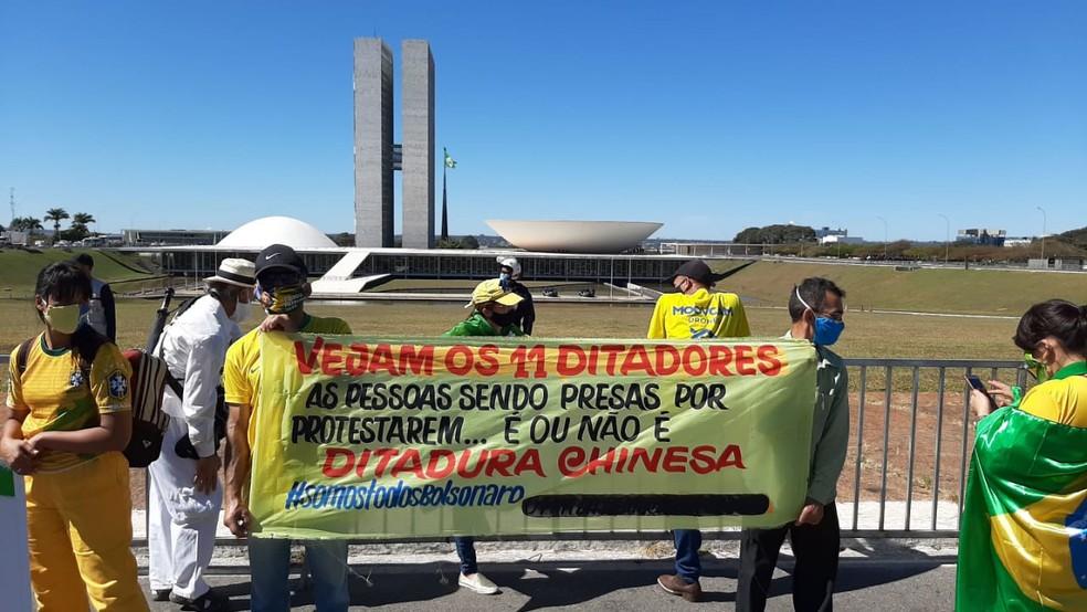 whatsapp image 2020 06 21 at 11.40.24 - Grupos contra e a favor de Bolsonaro fazem atos em Brasília; Veja imagens