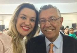 Camila Toscano lamenta morte do pai: 'Dedicado, afetuoso e exemplo de homem público'
