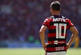 Em fim de contrato, Diego não descarta se aposentar no Flamengo: 'É uma possibilidade'