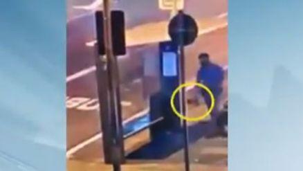 Policial militar esquece arma no banco do ponto de ônibus e ela some