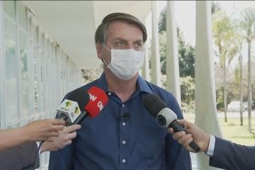 Bolsonaro reconhece ação de governadores para frear contágio da Covid-19