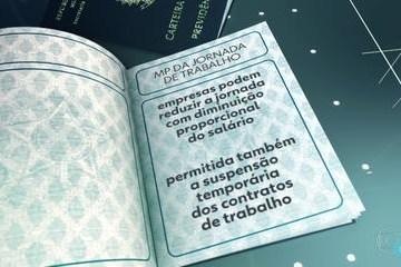 8678590 x240 - Com vetos, Bolsonaro sanciona MP que permite reduzir jornada e salário na pandemia