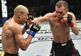 José Aldo se apresenta bem, mostra golpes variados, mas sofre nova derrota no UFC