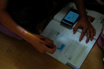 Sem Internet, baixa escolaridade dos pais, professores sobrecarregados: obstáculos do ensino à distância durante a pandemia