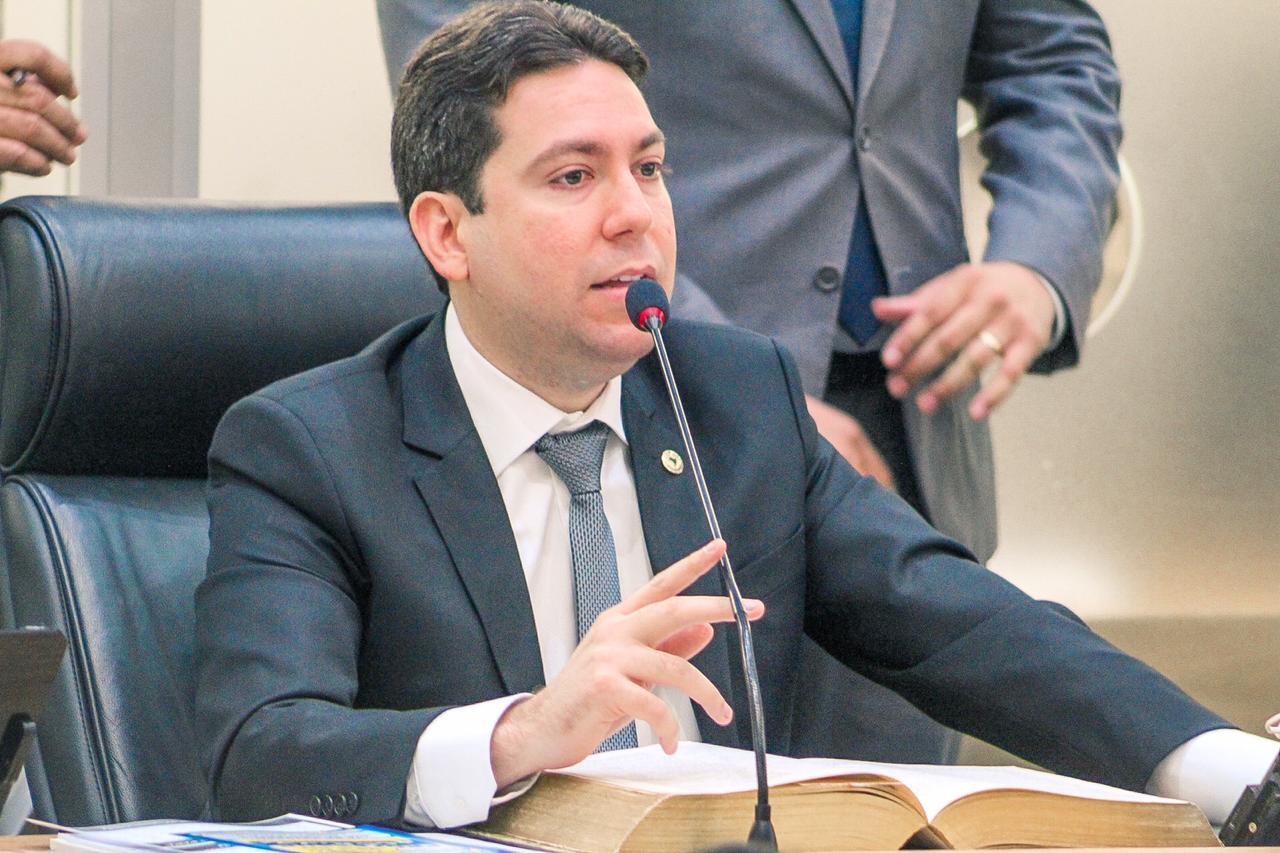 FELIPE LEITAO FOTO EDCARLOS SANTANA - Projeto de Felipe Leitão que obriga farmácias e laboratórios privados a informarem casos Covid-19 é aprovado na ALPB