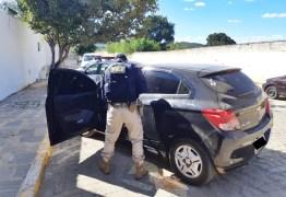 Veículo de locadora com apropriação indébita e documento falso que circulava entre os estados da Paraíba e de Pernambuco é recuperado na Paraíba