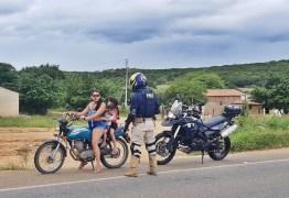 PRF flagra mais de 100 infrações em fiscalização de motocicletas no cariri paraibano