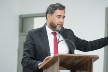 SEM SALÁRIO: após descumprir decisão judicial, Adriano Martins denuncia Kita ao MP – VEJA VÍDEO